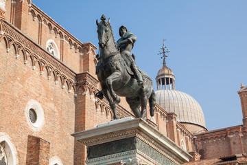 """Reiterstandbild """"Bartolomeo Colleoni"""" vor der Basilica dei Santi Giovanni e Paolo, Venedig"""