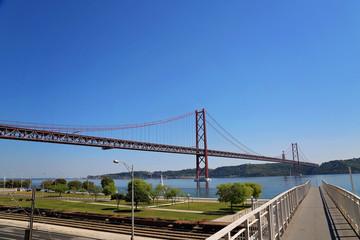 Lisbon, Landmark suspension 25 of April bridge