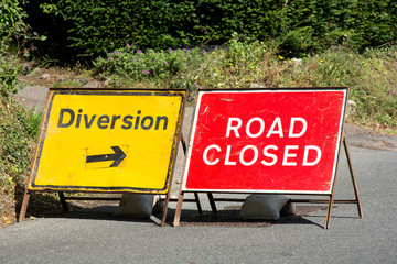 Road closed diversion signs in the UK
