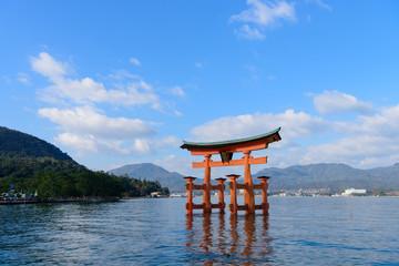 広島 厳島神社の大鳥居