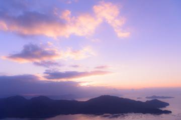 広島 夜明け頃の厳島 経小屋山からの眺め