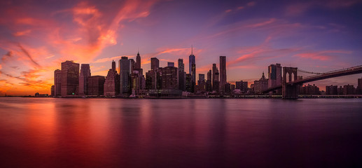 Sunset view of the island of Manhattan from Brooklyn
