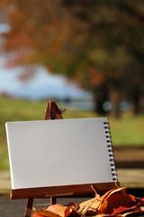 秋の風景を描くイメージ