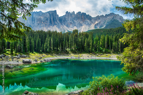 Fotomurales Carezza lake (Lago di Carezza, Karersee) in Dolomites Alps. South Tyrol. Italy
