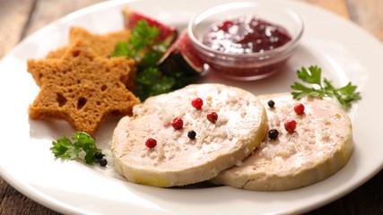 foie gras and gingerbread cake