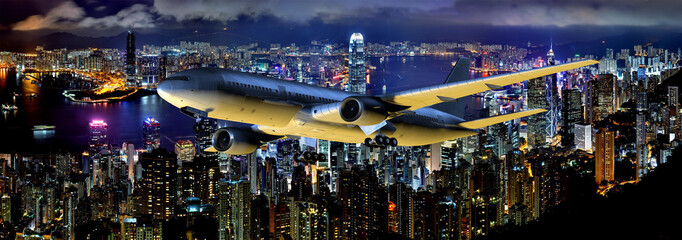Verkehrsflugzeug im Steigflug über Hongkong