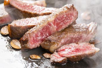 焼き上がった和牛ステーキ