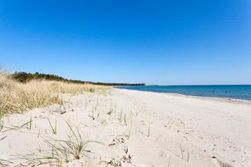 Sandstrnd på Gotland i Sverige en sommar dag