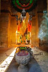 ヴィシュヌ神像