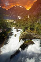 Deurstickers Rood paars Geiranger Fjord in Norway.