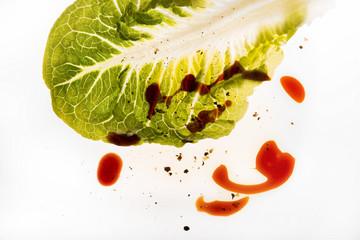 Salatblatt und Dressing