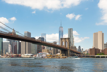 Brooklyn Bridge view and Manhattan skyline