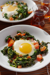 Fried eggs with spinach