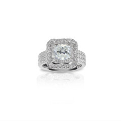 Beautiful Diamond Engagment ring. Gemstone square princess cut surrounded by two halo of diamonds.