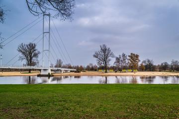 Most na rzece Warcie w mieście Sieradz, Polska