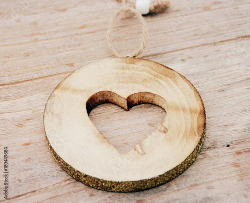 cœur sur rondin de bois,décoration