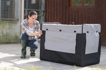 pretty kennel vetenary checking crate for animal transportation