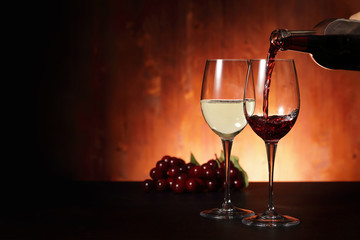 ワイン Red and white wine image
