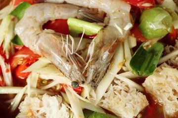 Mixed salad papaya with shrimp