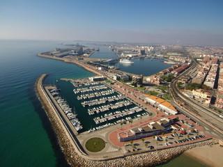 Puerto deportivo de Tarragona desde el aire.