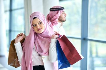 Young muslim couple shopping