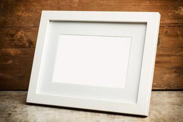 Marco de fotos de madera blanco