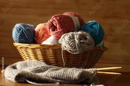 Korb, Wolle, bunt, stricken\