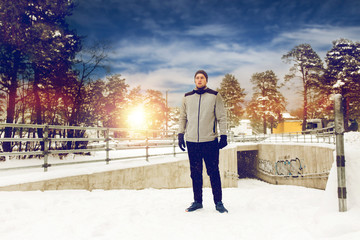 sports man in winter outdoors