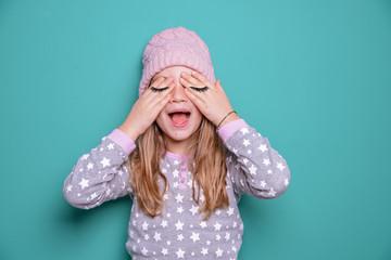 Kind mit geschlossenen Augen