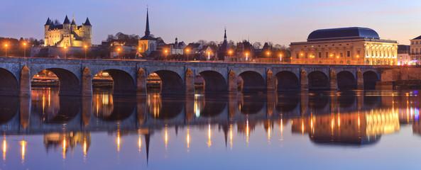 Saumur, château, église saint-Pierre, Pont cessart, le dôme