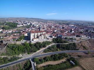 Coria es una ciudad y municipio español de la provincia de Cáceres, situada en el noroeste de la comunidad autónoma de Extremadura