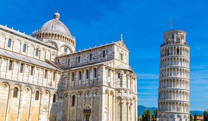 Wall Mural - Leaning tower and Pisa cathedral