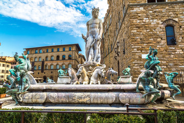 Fototapete - The Fountain of Neptune in Florence