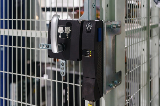 Door Interlock Switches for the protection of safety doors before entry machine