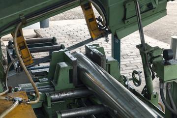 cutting metal bars