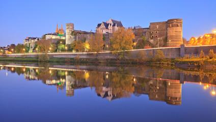 Château d'Angers, Château de la loire  et la cathédrale Saint-Maurice. Photo de nuit.