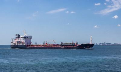 tanker sailing through the Bosphorus