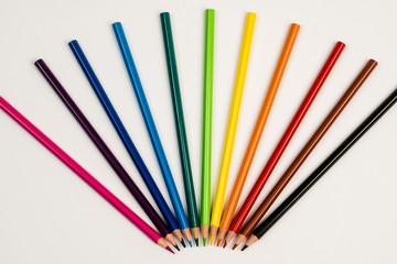 Renkli boya kalemleri