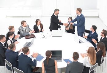gmbh gesetz kaufen gesellschaften erfolgreich gmbh kaufen mit arbeitnehmerüberlassung gmbh anteile kaufen notar