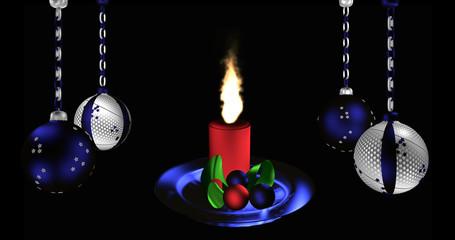 Christbaumkugeln in silber und blau mit brennender Kerze.