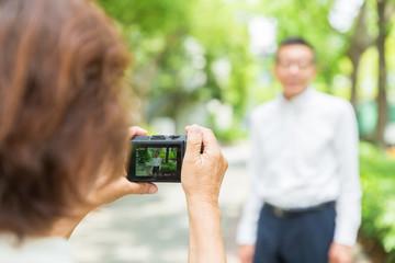 シニア夫婦 カメラ