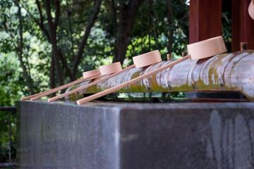 神社でお清めをする場所。 Japanese fountain to purify yourself.
