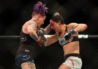 MMA: UFC Fight Night-Sydney-Rawlings vs Clark