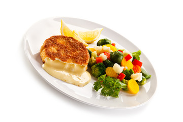 Fried camembert and vegetables
