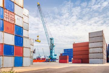 Containerhafen mit Kran, Rotterdam, Holland