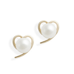 gold earrings hearts with pearls isolated on white