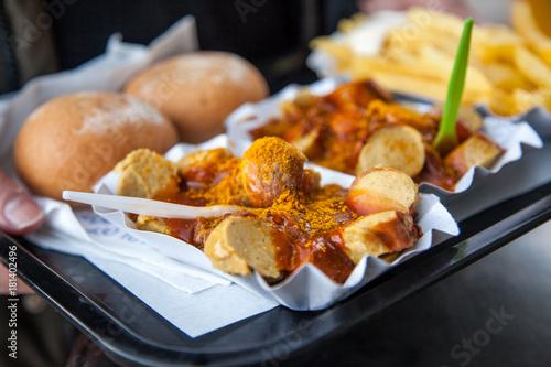currywurst pommes mayo mit br tchen vom imbiss. Black Bedroom Furniture Sets. Home Design Ideas
