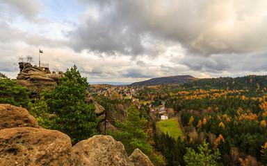 Foto op Aluminium Blick vom Nonnenfelsen über Jonsdorf im Herbst