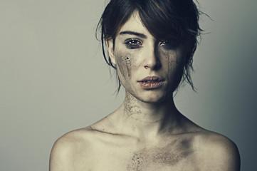 ragazza guerra lacrime 3
