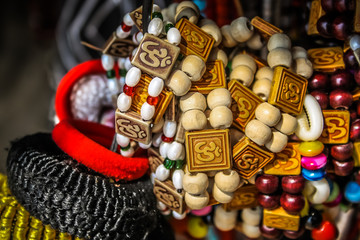 bijoux colorés d'Inde
